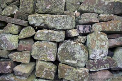 Small dry stone wall features and repairs